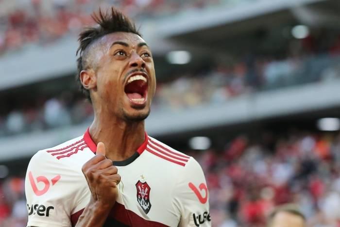 Flamengo não vencia o Athletico-PR em Curitiba, em jogos do Brasilerão, há 45 anos