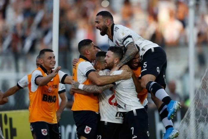 Vasco ultrapassou Botafogo e Fluminense na tabela