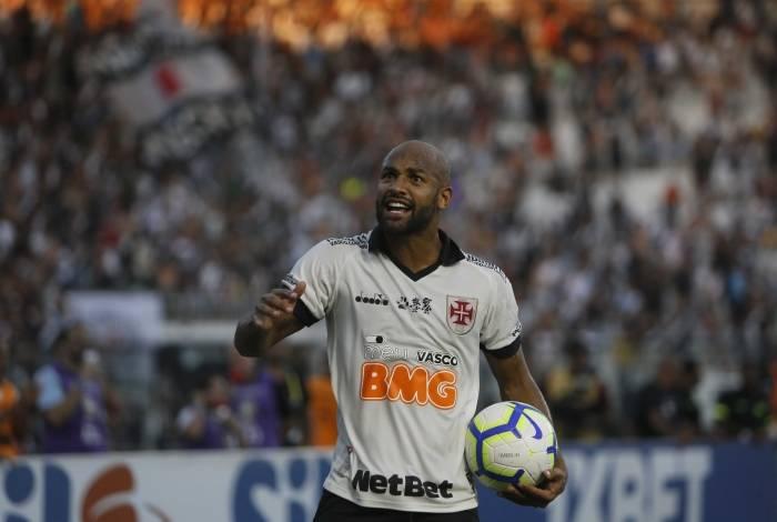 Jogo entre Vasco x Fortaleza em São Januário, pela 25ª rodada do Campeonato Brasileiro, neste domingo (13).