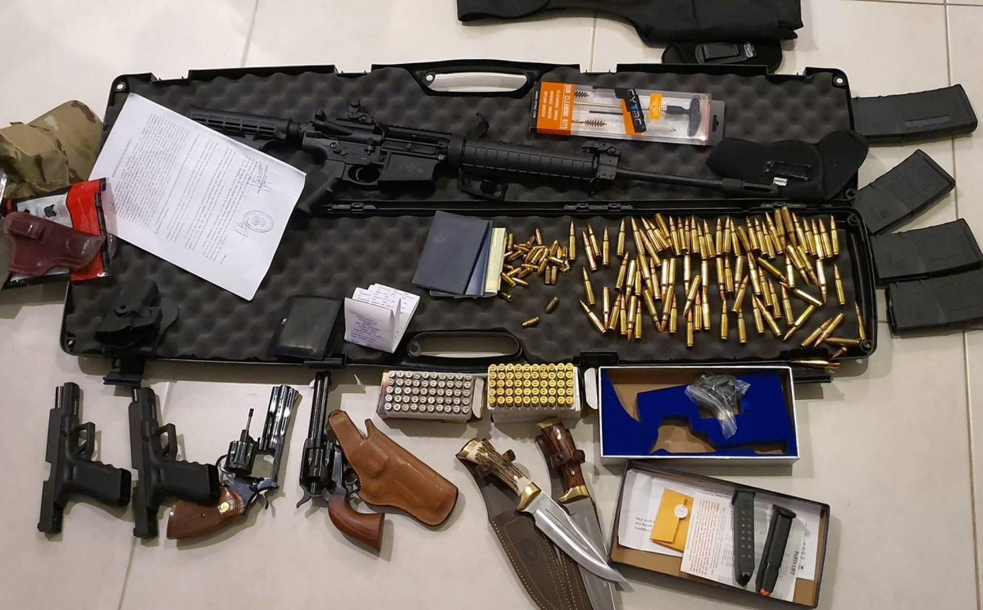 Resultado de imagem para Fornecedores de armas e drogas do PCC e CV são presos no Paraguai