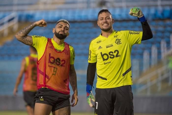 Gabigol e Diego Alves em treino do Flamengo