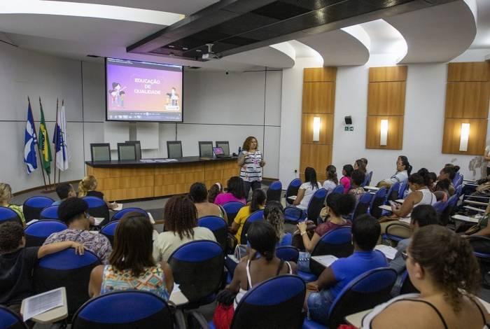 Encontro com pais de alunos realizado pela prefeitura: soluções