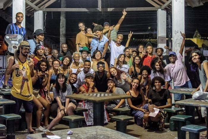 Slam da Baixada reúne apaixonados por poesias. Neste fim de semana, Caxias e Paracambi vão eleger candidato para campeonato estadual