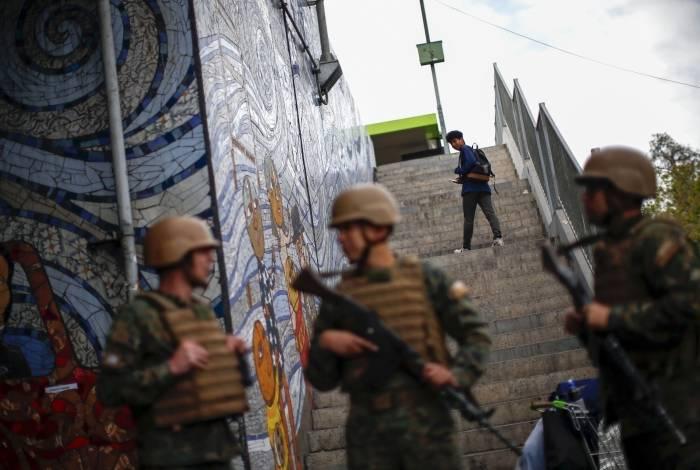 Presidente do Chile declarou estado de emergência em Santiago na sexta-feira à noite