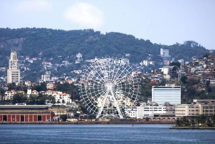 Roda gigante Rio Star que será inaugurada em dezembro, na zona portuária do Rio de Janeiro.