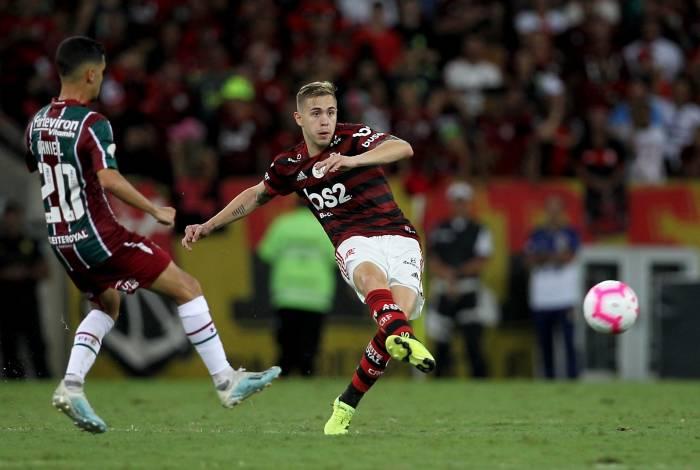 Empresário de jogador do Flamengo reclama de falta de oportunidades: Não dá para continuar assim