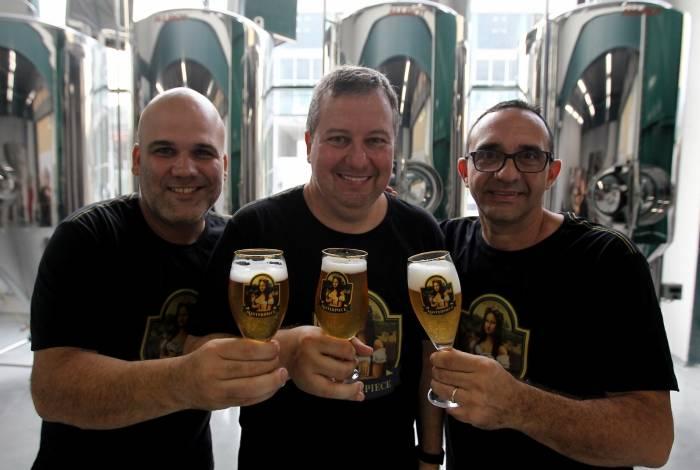 Um brinde: Henrique Brasil, André Valle e Mauro, da Masterpiece