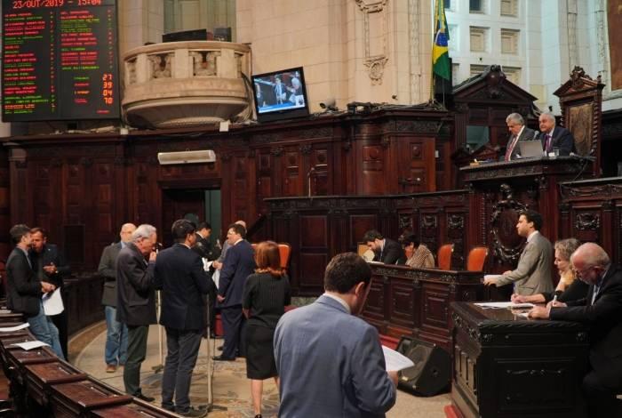 Na terça-feira, a plenário da Alerj votou pela soltura dos parlamentares presos pela Furna da Onça