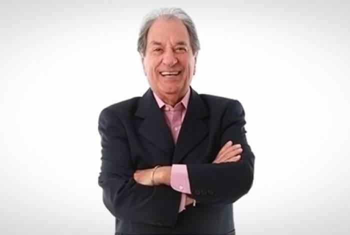 José Carlos Araújo é um dos narradores mais experientes do jornalismo esportivo