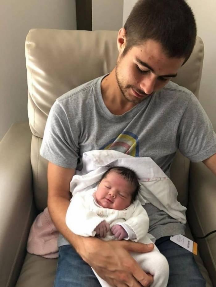 Rafael Vitti posta foto com a filha