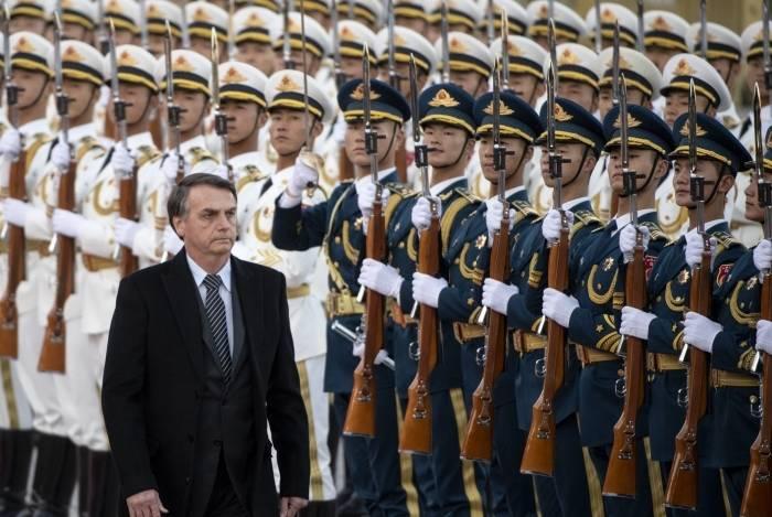Na China, o presidente Jair Bolsonaro confirmou que a proposta de emenda constitucional (PEC) da reforma administrativa acabará com a estabilidade de novos servidores