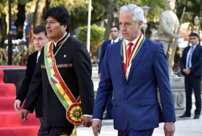 O presidente da Bolívia, Evo Morales, e o vice-presidente, Álvaro García Linera
