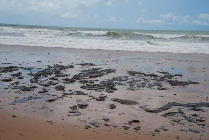 Manchas de óleo chegaram à Região Sudeste