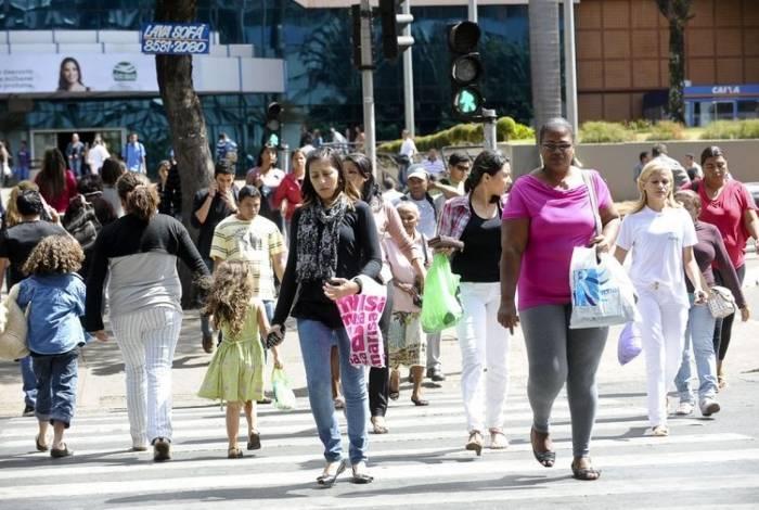 Volume de serviços prestados subiu 2,6% em julho ante junho