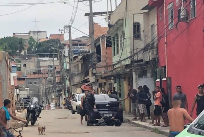 PM foi baleado em ataque de criminosos no Complexo da Pedreira, em Costa Barros