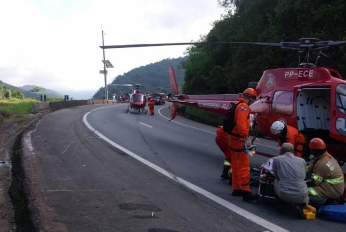Helicópteros do Corpo de Bombeiros foram usados para socorrer as vítimas