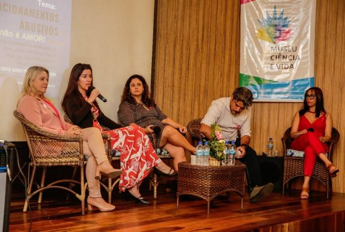 Duque de Caxias promove debate sobre relacionamento abusivo