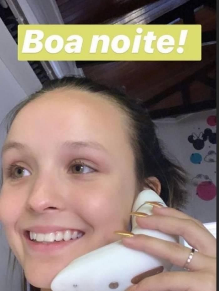 Larissa Manoela ganhou um vibrador de presente de Ingrid Guimarães