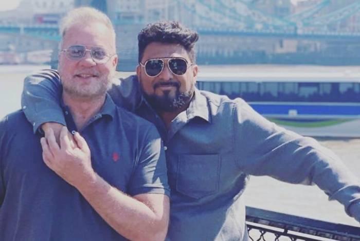 Luiz Fernando Guimarães e o marido, o empresário Adriano Medeiros