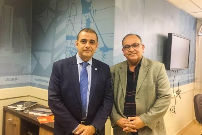 O secretário estadual de Saúde, Edmar Santos (à esquerda), recebeu o secretário de Saúde de Campos, Abdu Neme, para negociar a liberação de verbas para o município