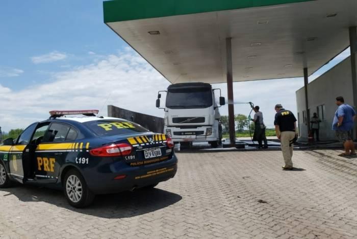 caminhões e os motoristas foram encaminhados ao Posto Fiscal da Receita Estadual de Nhangapi