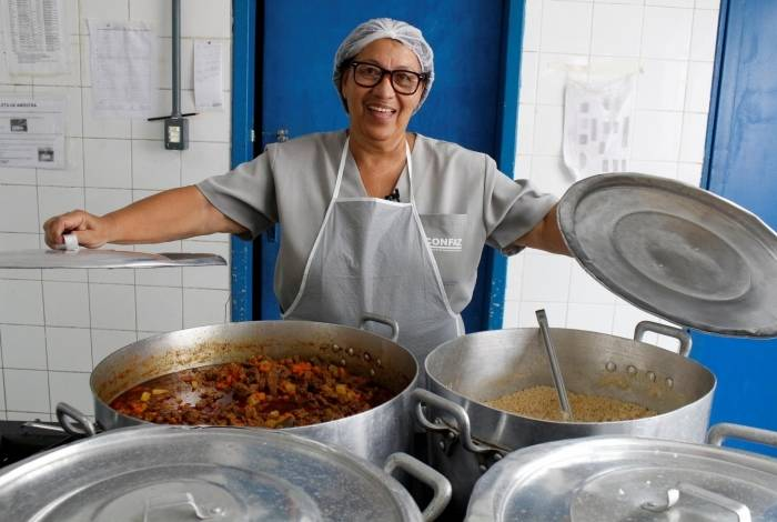 Prefeitura de Itaboraí oferece média de 1 milhão de refeições por mês nas escolas