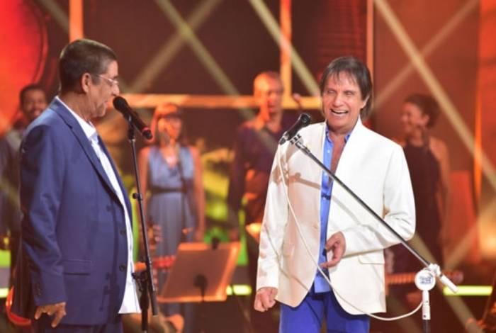 Zeca Pagodinho e Roberto Carlos cantando juntos