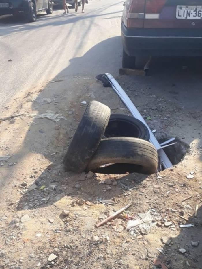 Moradores reclamam de buraco, na Vila Rosali