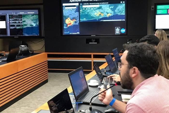 Felipe Mandarino apresenta o sistema  no Centro de Operações