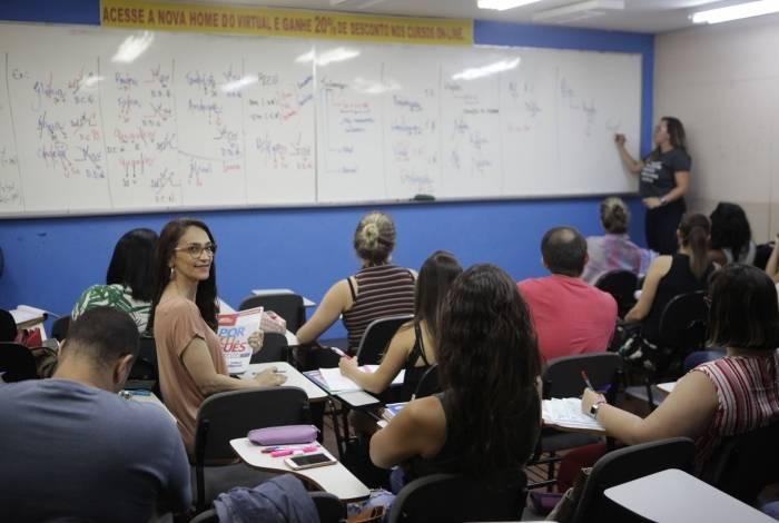 Rio, 31/10/2019, - ESPECIAL - Curso para estudantes que vao prestar conursos. Naldjelma Bichara. Centro do Rio. Foto: Ricardo Cassiano/Agencia O Dia.