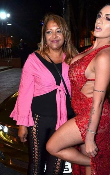 Yanna Oliveira, musa do Internacional