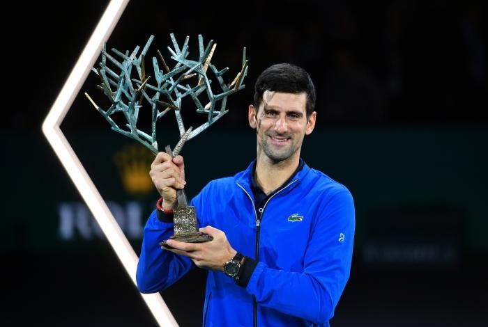 O tenista Novak Djokovic faturou o seu quinto Masters de Paris