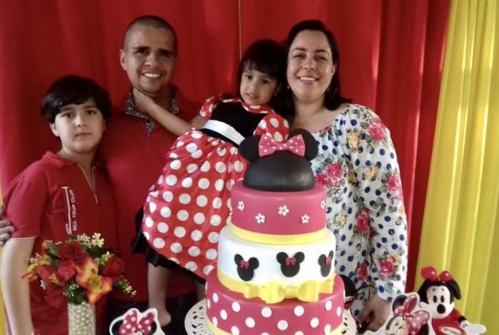 Bárbara, de Caxias, se mudou com a família para Petrópolis há dois anos. Eles vão morar no Bosque de Nogueira