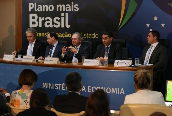 Ministro Paulo Guedes apresentou pacote de medidas nesta terça-feira