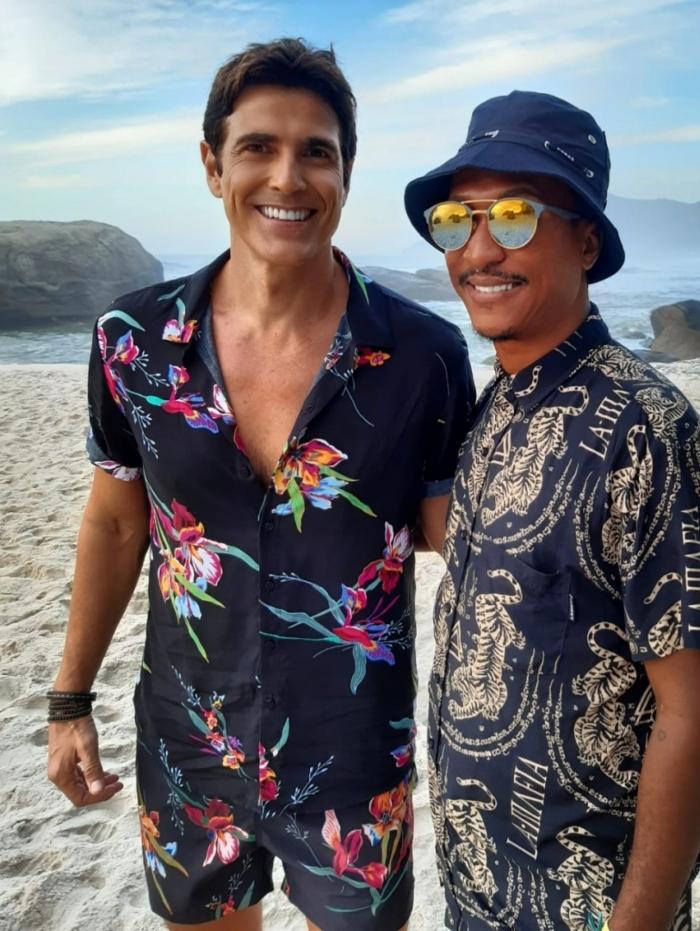 Reynaldo Gianecchini e o maquiador Rodrigo Franco
