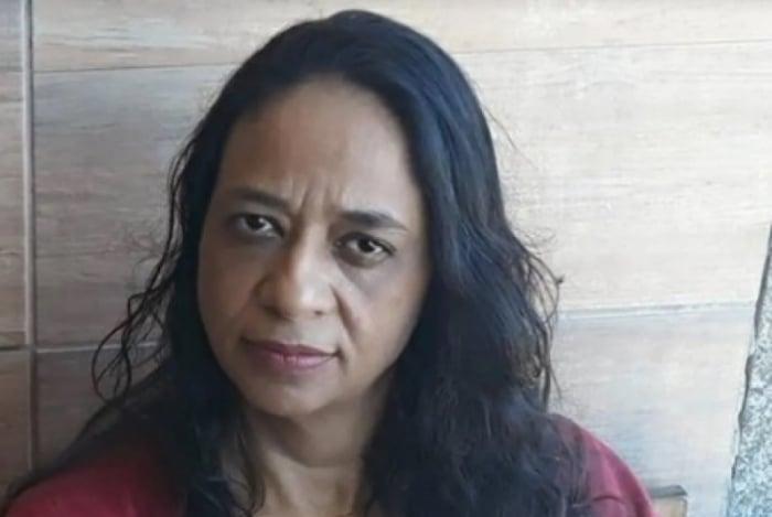 Cuidadora Simone Aparecida Lopes Garcia só descobriu que foi criada por sequestrador após 44 anos