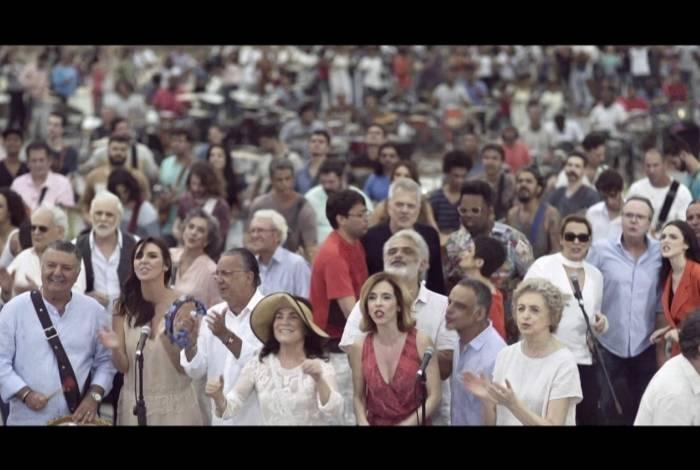 Elenco da Globo solta voz na tradicional mensagem de fim de ano