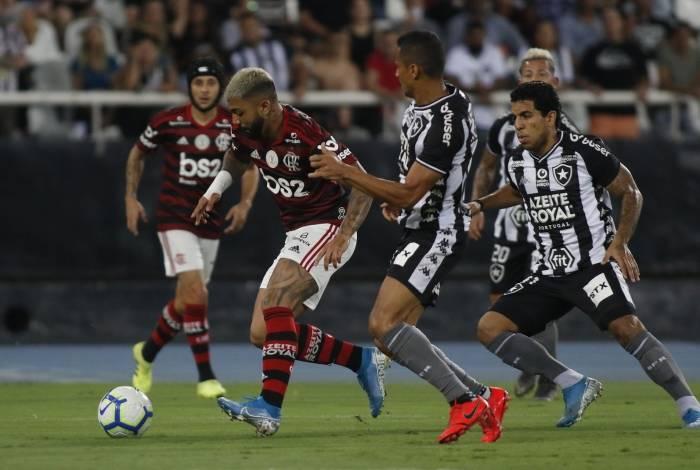 Flamengo e Botafogo se enfrentam