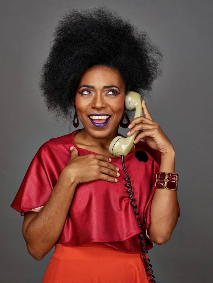 Vilma Melo na peça 'Fulaninha e Dona Coisa', em que dividiu o palco com Natalia Dill