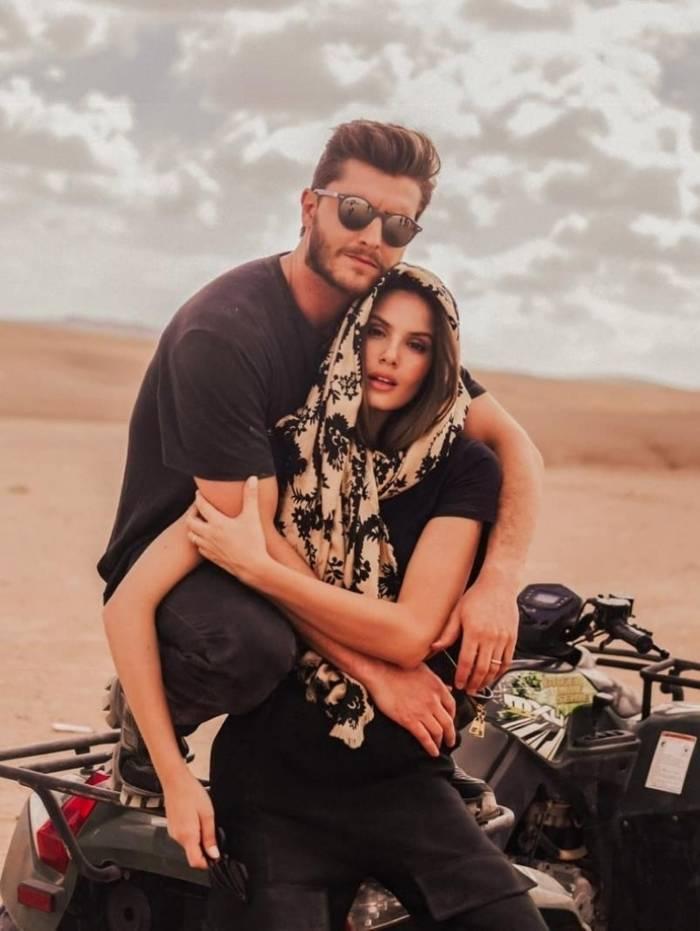Klebber Toledo e Camila Queiroz em Marrakech