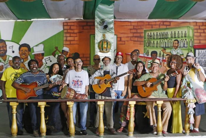 Artistas se reúnem na quadra do Império Serrano: serão 36 horas  de muita literatura, música e teatro