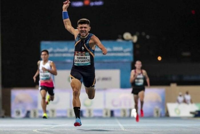 Petrúcio Ferreira se sagrou campeão mundial nos 400m T47 em Dubai