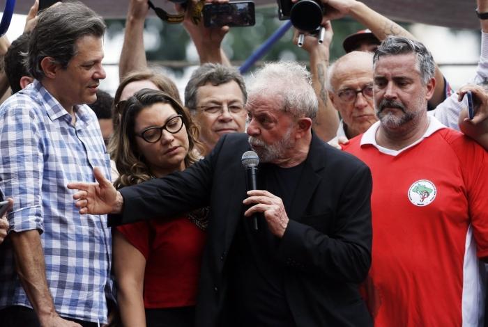 O ex-presidente Lula discursa no Sindicado dos Metalúrgicos de São Bernardo do Campo