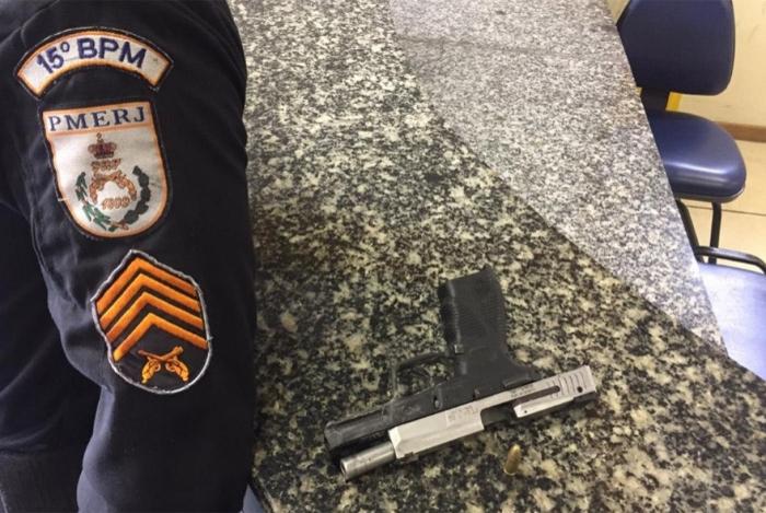Arma apreendida com o homem que morreu na troca de tiros com os policiais