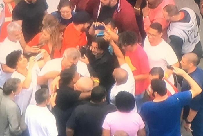 Lula chega ao ABC Paulista para pronunciamento