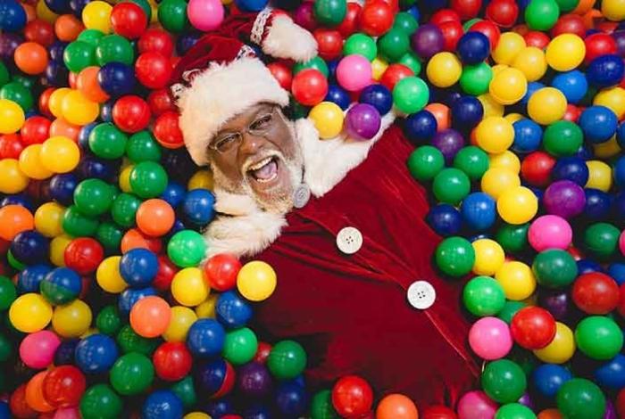 Aylton Lafayette, 66 anos, será o papai noel do Shopping Madureira deste ano