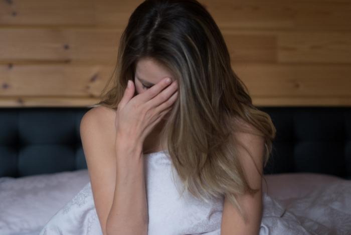 Uma hora depois de fazer sexo sem proteção com o marido, a mulher passou a apresentar uma reação alérgica graves