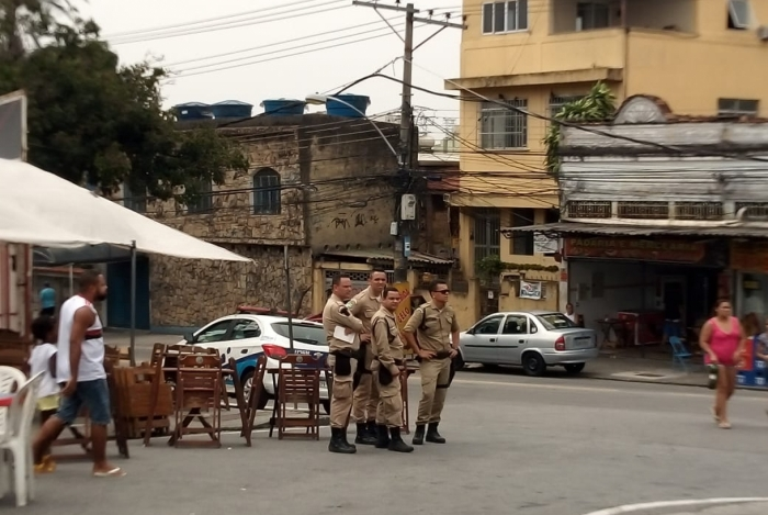 Guardas municipais teriam impedido a realização do evento, que acontecia desde ás 8h de hoje. Viradão está sendo transferido para a quadra da Portela