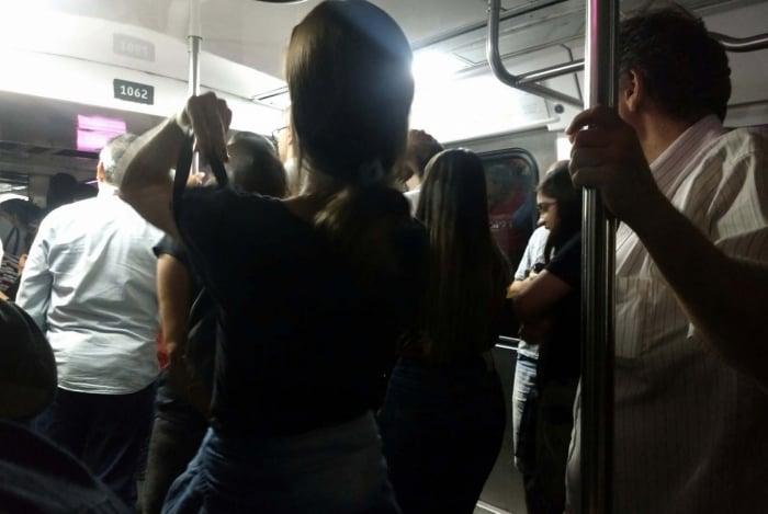 Interrupção aconteceu as estações Cardeal Arcoverde e Cantagalo
