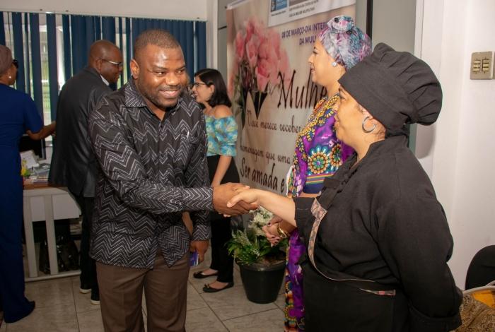 Vice-cônsul pretende aproximar angolanos que residem na cidade